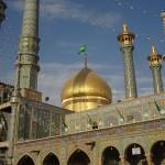غبارروبی حرم بانوی کرامت با حضور زائران غیر  ایرانی برگزار شد